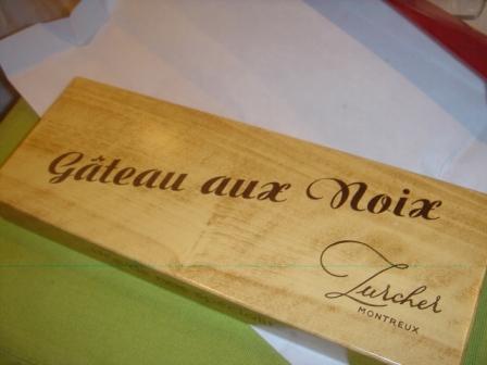 Gateau Au Noix Box