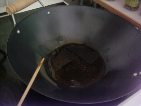 in ur wok, or any other pan, add the little sachet of oil from the indume with one tea spoon of sesame oil, and let them heat a bit